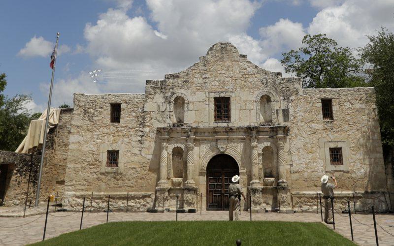 A picture of the Alamo in San Antonio, Texas.